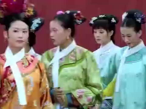 甄嬛传:四季姐进宫很嚣张,还惹到华妃,这下知道一丈红滋味了