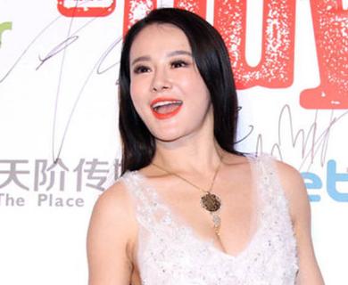 她是中国最强拳王的爱妻,号称国产卡戴珊,网友:邹市明太享福