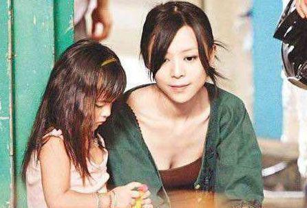 多次被曝和多位导演关系好,被称为女版陈冠希,如今沦落为配角