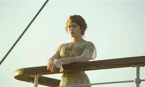 《泰坦尼克号》风靡全球,却没人知道,现实中露丝的余生是咋过的