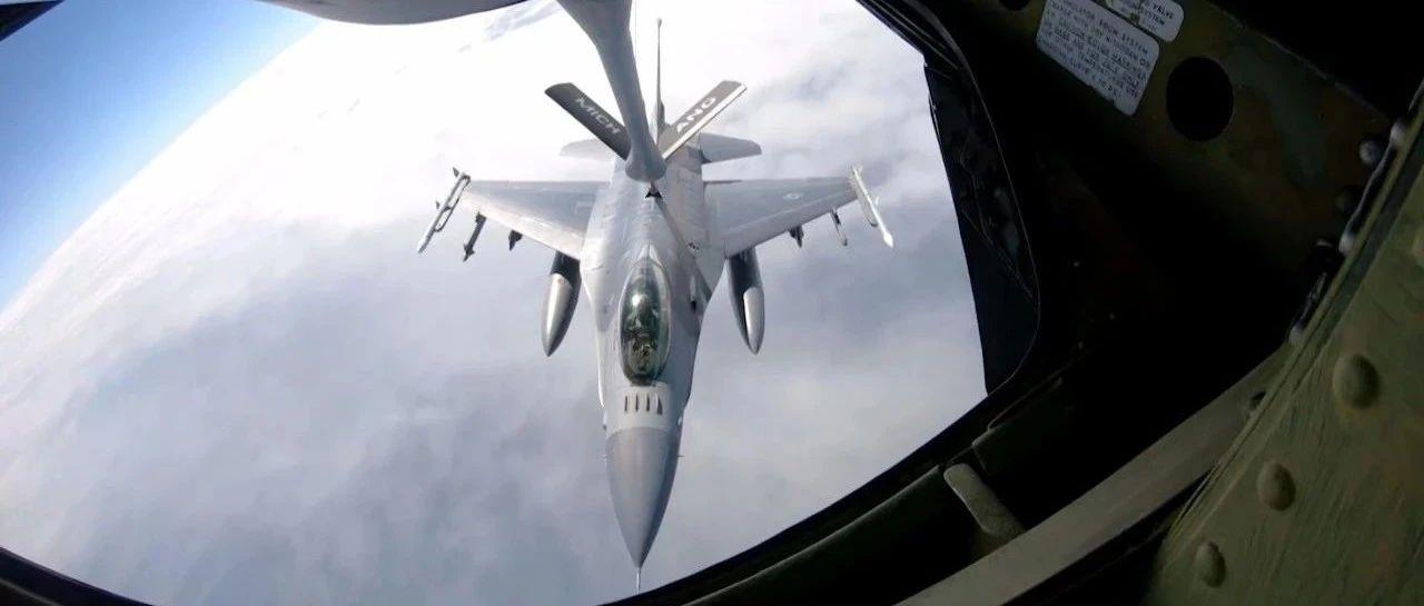 俄罗斯与乌克兰互呛,美方忙着推销战机……