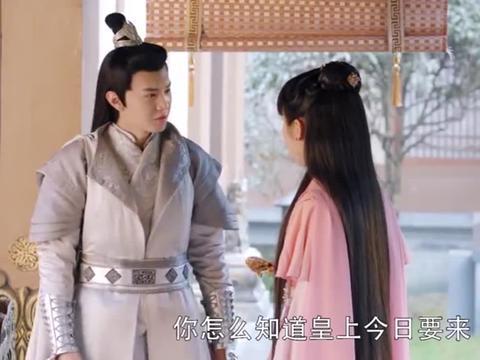 凤唳九天:庶女不想嫁,故意扮丑捣乱,没想到被皇上看上