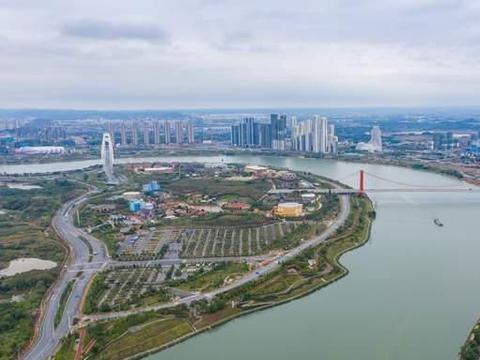 航拍广西省会南宁,一条河流过,南宁人还有什么理由不骄傲?