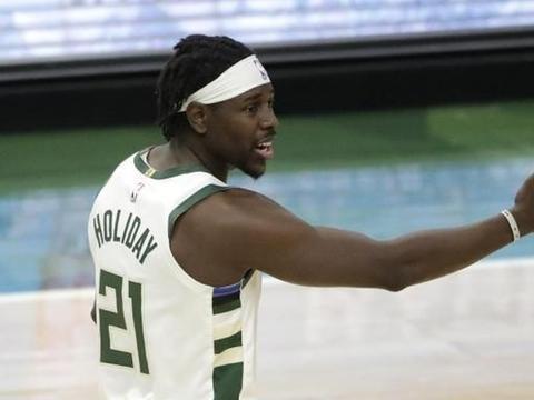 篮球不会说谎,雄鹿顶住了裁判的偏哨!