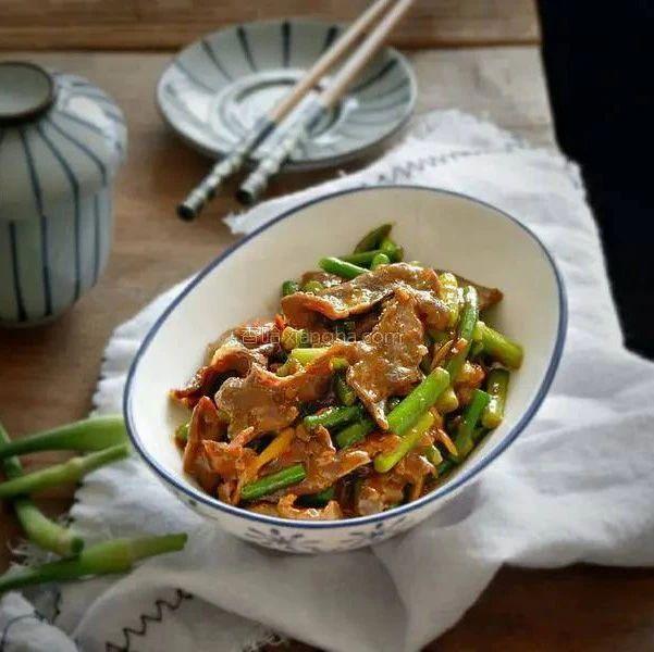 这个菜要常吃,不仅比猪肉便宜,还能益气补血提高人体免疫力
