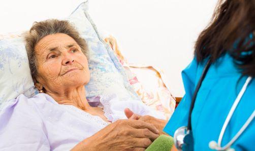 婆婆再婚,存款全部交给二婚老伴,晚年生病住院,他却说没钱