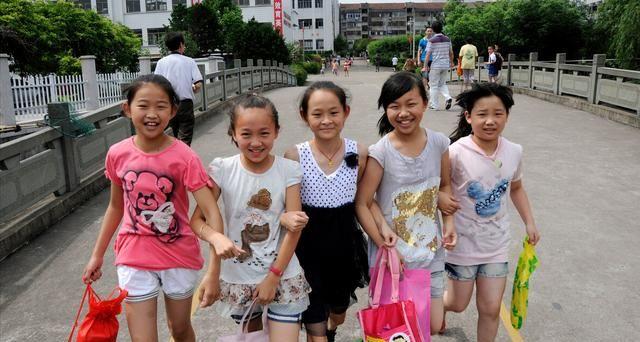 大中小学生暑假时间已确定,最长79天,家长:连寒假一起放了?
