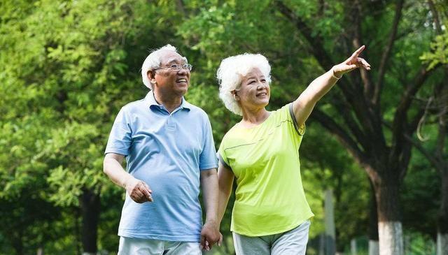"""长寿的人,可能有以下几个特点,做好这""""2点"""",或对健康有益"""