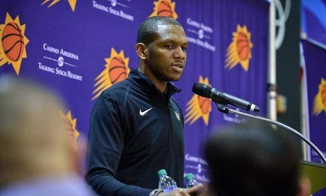 琼斯当选NBA年度最佳总经理,詹姆斯发推:祝贺我的好兄弟