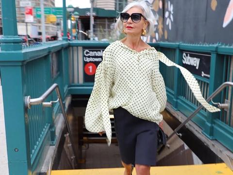 谁说年过半百不能时髦洋气,时尚奶奶告诉你,穿衣无关年龄