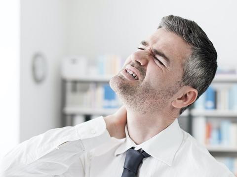 李国民:颈椎疼痛,不要再盲目按摩,只会越按越重!