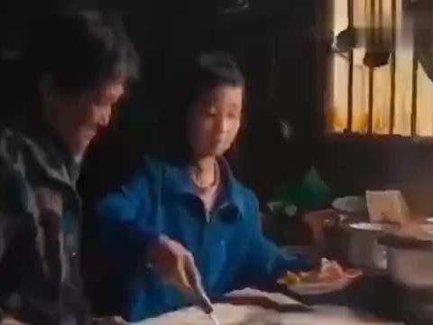 以客家女情感与励志为题材的电影《为你红》近日在广东惠州市开机