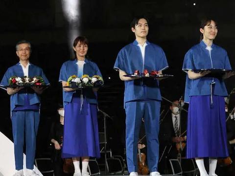 东京奥运会颁奖服装公布,日本网友:穿去便利店都嫌丢人……