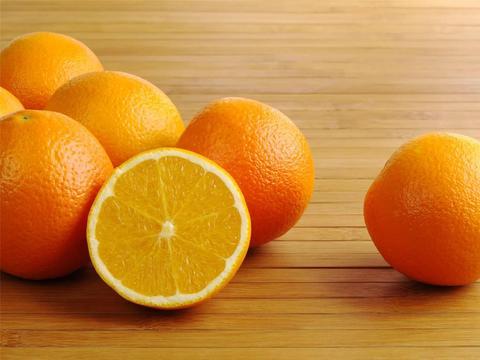 有咽炎不戒烟?多吃这4种水果或许能帮助你,改善咽喉疼痛