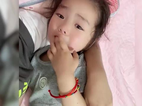 """爸爸意外去世,江苏3岁女孩抱着妈妈哭喊""""想爸爸了""""令人泪崩"""