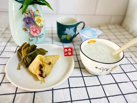 家家习惯是不一样,我家的早餐就是不吃炒菜呢!