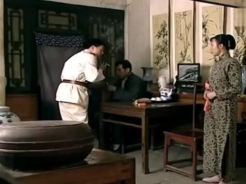 我这一辈子:赵二媳妇眼皮子真浅,一听说刘方没钱,立即就往外撵