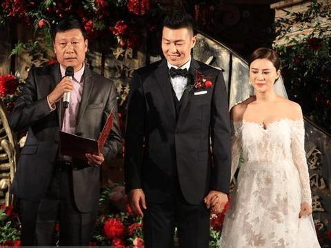 人生赢家!33岁前国手迎娶娇妻+2千万年薪,易建联+周琦也没他高