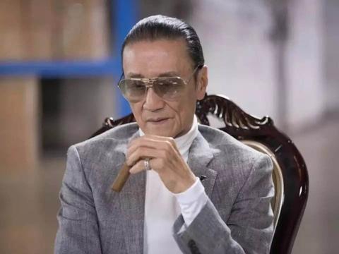 89岁胡枫演唱会,谢贤替身梁家辉登台亮相,四哥跟曾江恩怨消散