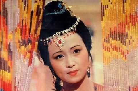 红楼梦:秦可卿是警幻仙子的妹妹,怎么可能和贾珍干出那样的事?