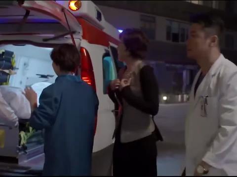 产妇大出血,医生没办法救,不料护士长:我来说你来做!