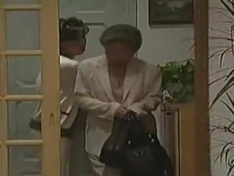奶奶躲到女儿家,基正兄弟俩若敢娶银珠姐妹俩,就住养老院