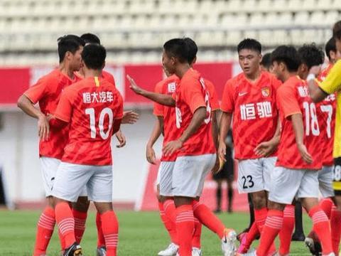 中超传来重要信息:广州恒大做出正确决定,球迷齐声点赞