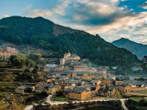 竹林中隐藏百年的古村落,如桃花源般遗世独立