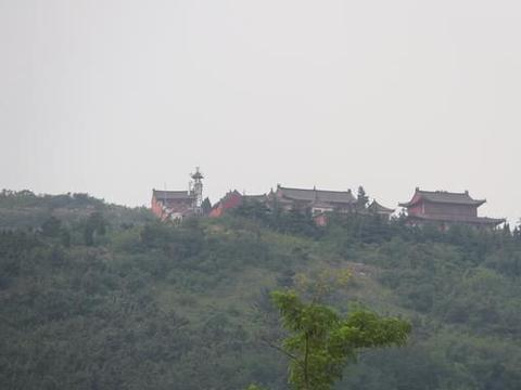 胶东游记:在即墨的马山上,俯瞰青烟威荣城际铁路