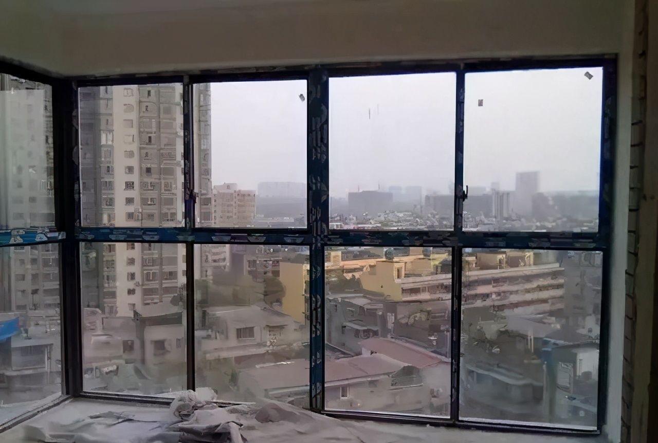 阳台装修到底先封阳台还是贴瓷砖?顺序弄错有你后悔的!