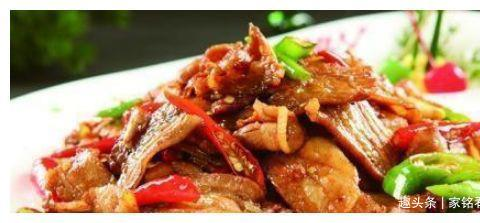 美食推荐:猪手焖酸菜、芹菜炒五花肉、凉拌手撕杏鲍、香辣小炒肉