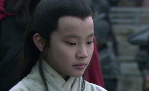 """河南女""""神童""""10岁上大学,父亲:省了不少学费,她如今月薪2千"""