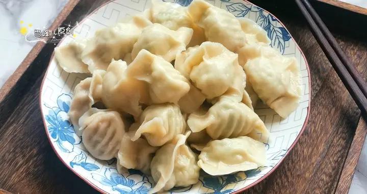 6月包饺子此菜正当时,皮薄馅大超好吃,清爽不油腻比肉馅受欢迎