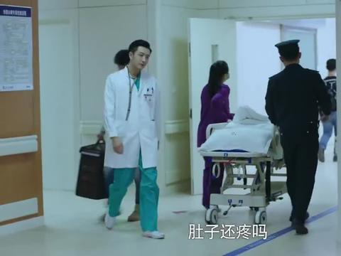急诊医生:父亲得了老年痴呆,医生劝女儿多多关心他吧