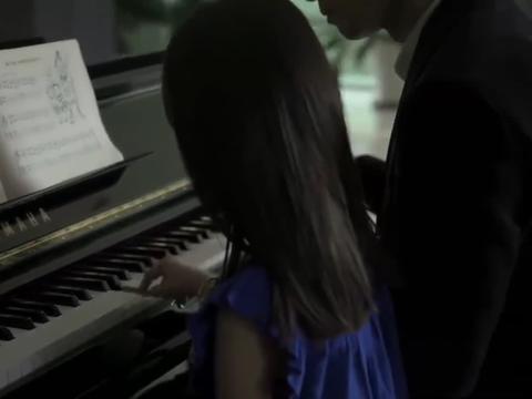 虎妈猫爸:胜男带茜茜学钢琴,老师说茜茜不适合,胜男却坚持要学