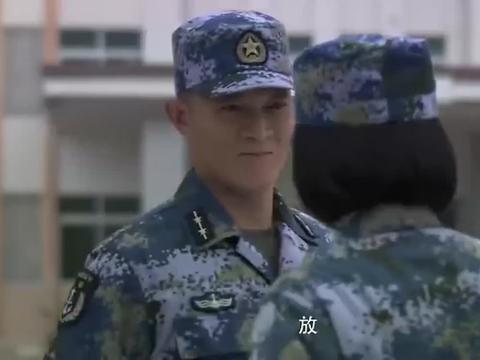 火蓝刀锋:小鱼说他不是为了争荣誉,他是为了给龙队长和师父报仇