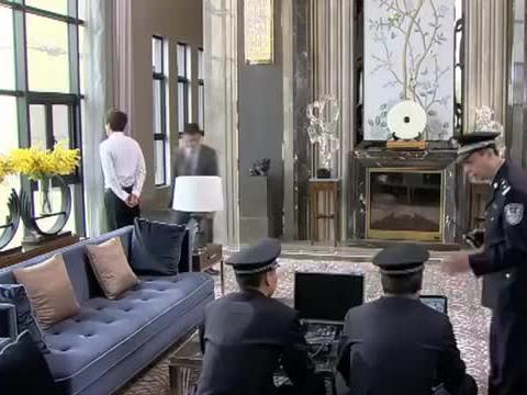 恋恋不忘-警察刚连接好设备,就有人打来电话,哪料是曼迪打的