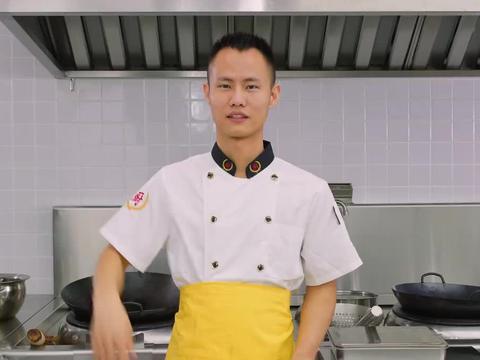 """厨师长教你:""""油焖小龙虾""""的家常做法,香辣入味,越吃越过瘾"""