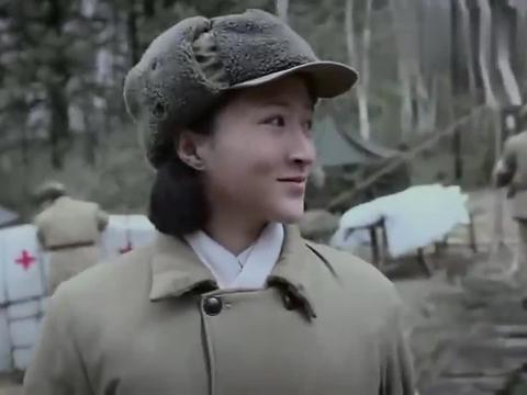 农村姑娘没见过黑人,一回头吓得哇哇叫,老兵们都笑了