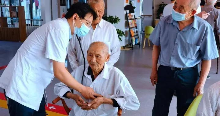 南京高淳古柏中心卫生院党支部义诊活动走进敬老院
