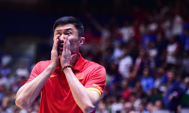 张本天杰被骂叛徒,他为何不愿意为男篮效力,中国篮球该注意什么