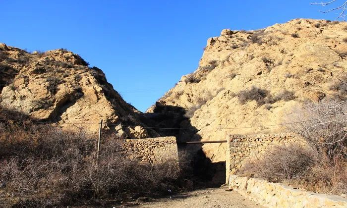 包头古迹:西园遗址(新石器时代、春秋时期,东河区)