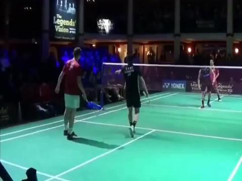 羽毛球:天王表演赛,猜猜都有谁!