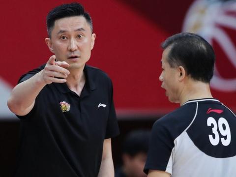 面对篮协新赛季全华班新政,广东男篮给出最新应对