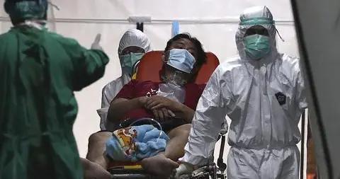 印尼疫情出现新特点:送进ICU患者多为年轻人 有吐血症状