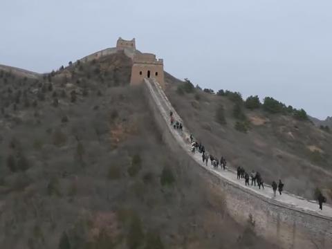小欢喜:高三党毕业前爬长城,林磊儿说龙脉的磁场,太逗