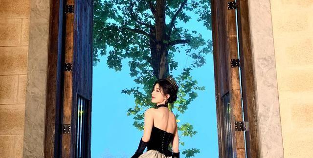 鞠婧祎和姜云升合作联动的新歌叫什么?《今晚月色真美》于6月29日发行