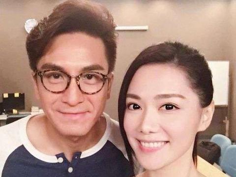 TVB小花汤洛雯晒父亲青涩照,网友大赞:郭富城与金城武结合体