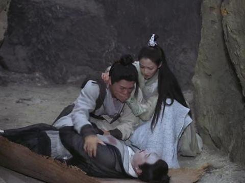 《倚天屠龙记》:赵敏双眼皮贴太明显,张无忌:不是你死就是我亡