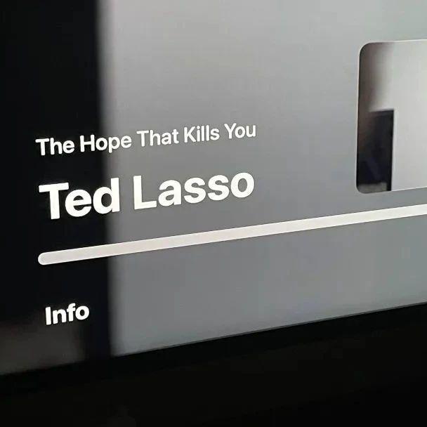 tvOS 15为Apple TV内置视频播放器界面提供了全新的外观